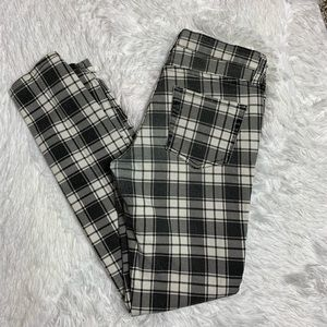 Forever 21 Black and White Plaid Jeans Size 27